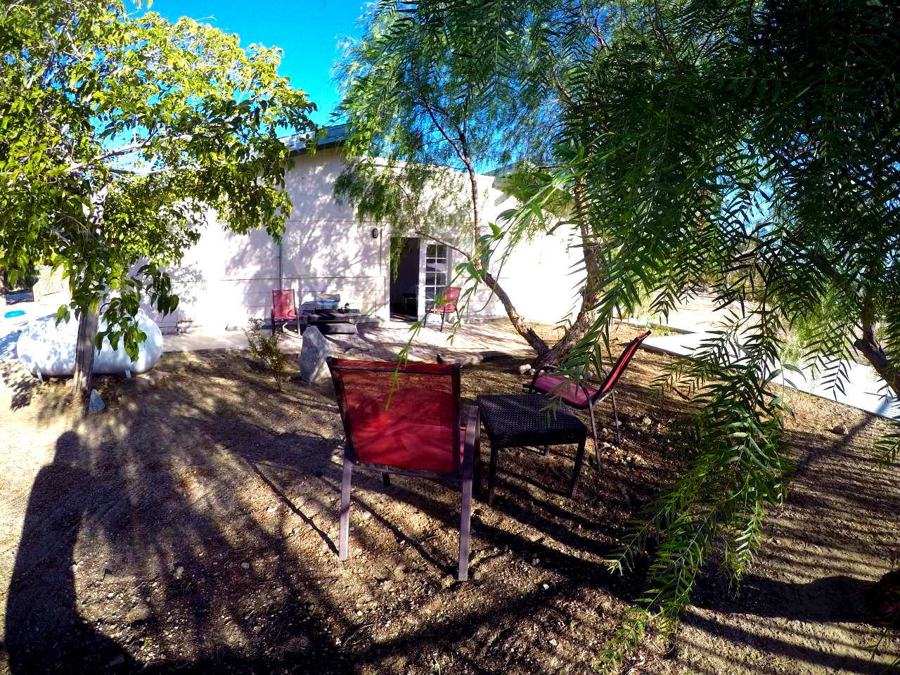 Airbnb_courtyard